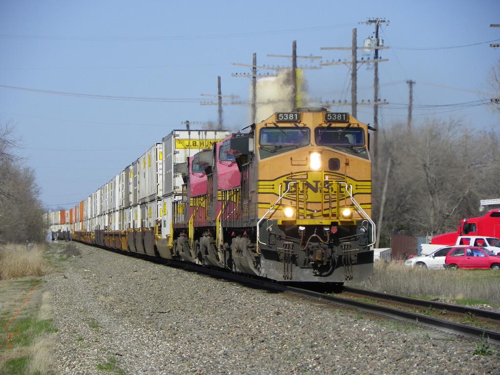 BNSF C44-9W 5381
