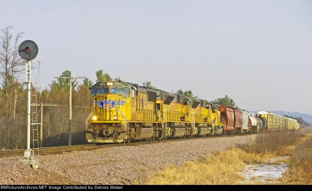 UP  4592,  UP's   Altoona    Sub.