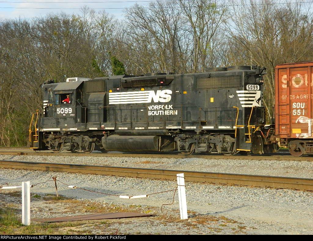 NS 5099 (GP38-2) HIGH HOOD