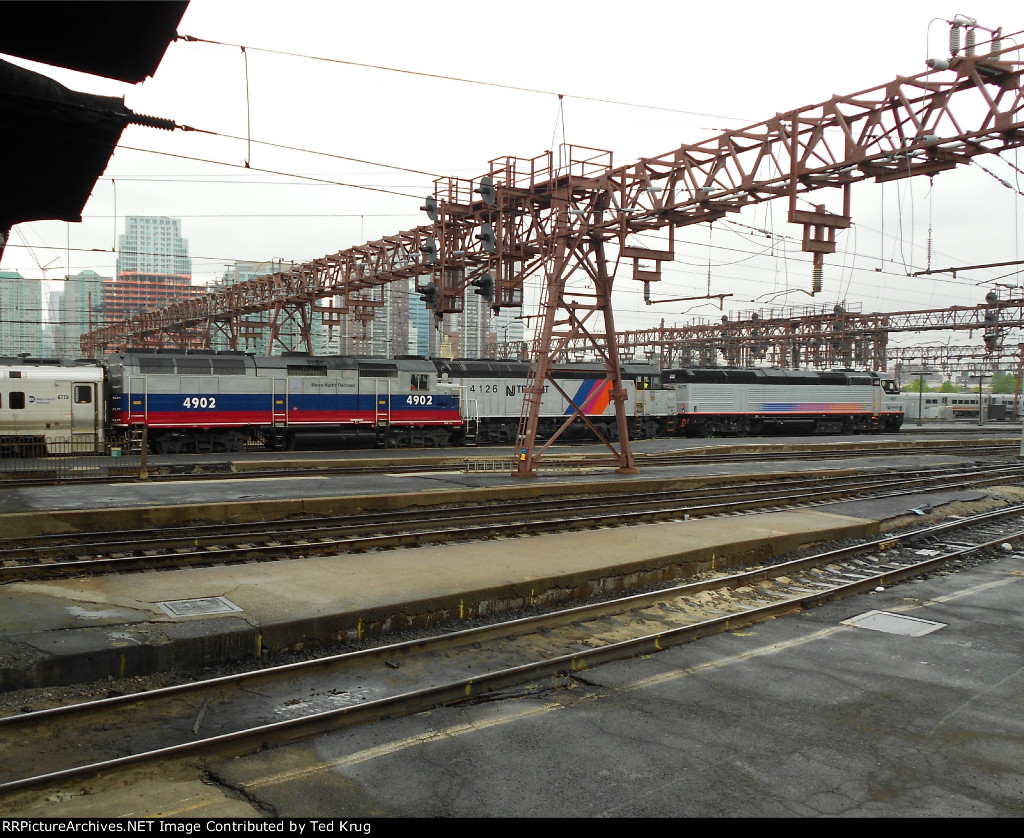 NJT 4011 & 4126 and MNCR 4902