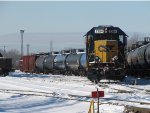 CSX 2354 leads Y106 down the Even Lead with LPG for Plains and boxes for Advanced in tow