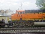BNSF ES44C4 6896