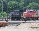 B&M 340 & BNSF 690