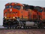 Zoomed in shot of A Very, Very Brand New BNSF 6924 Leading the H RIC-BAR into the Barstow Yard.