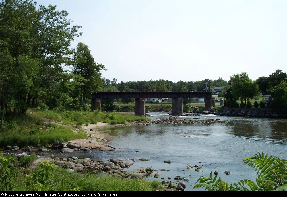 The Great Northern Railway bridge over the North River