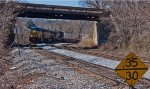 CSX Q034 slowly rounds the curve