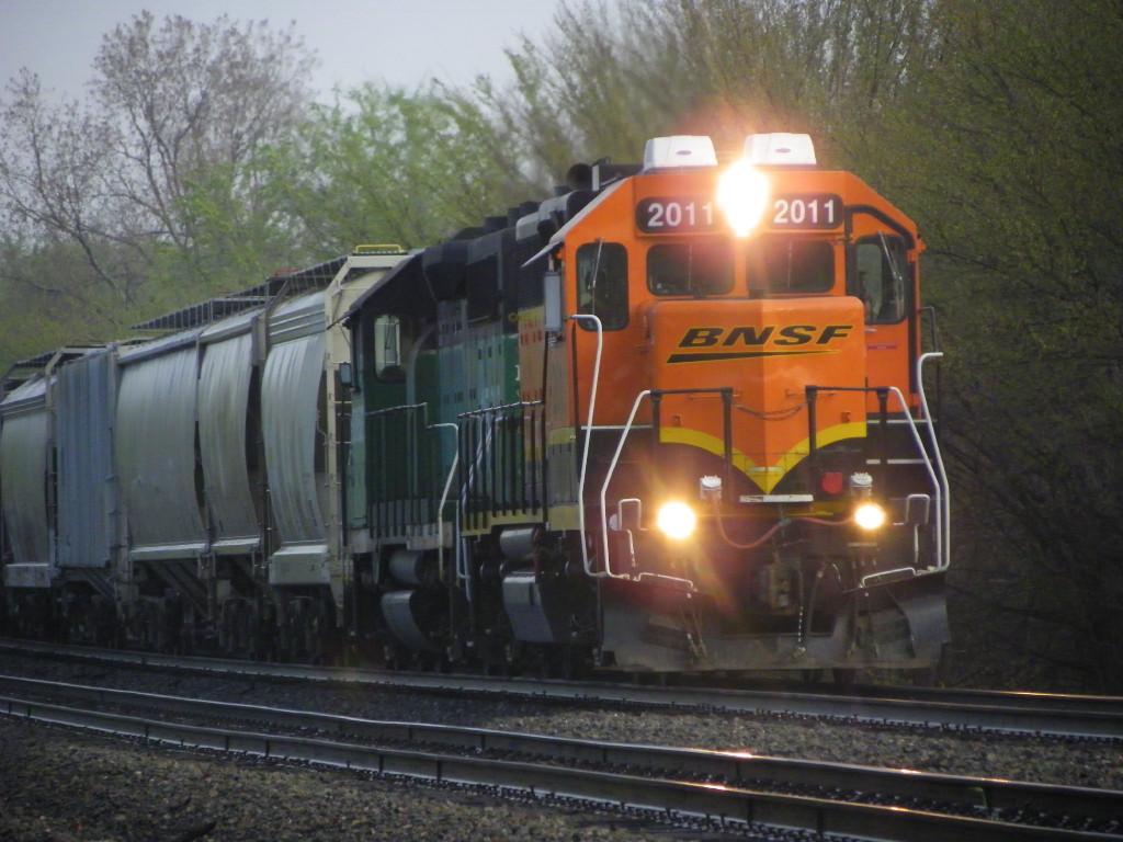 BNSF GP38-2 2011