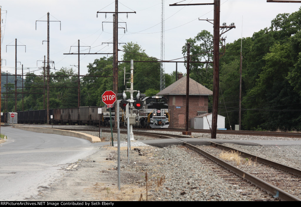 NS 591 WB Passing COLA Tower with NS 1065 S&A & NYC 1066