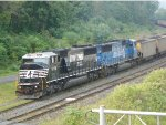 NS 6726 powers a PP&L coal train into Enola Yard on the A track
