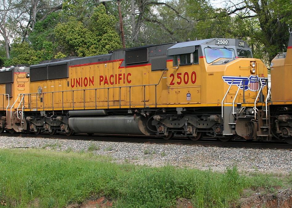 UP 2500 on Q605
