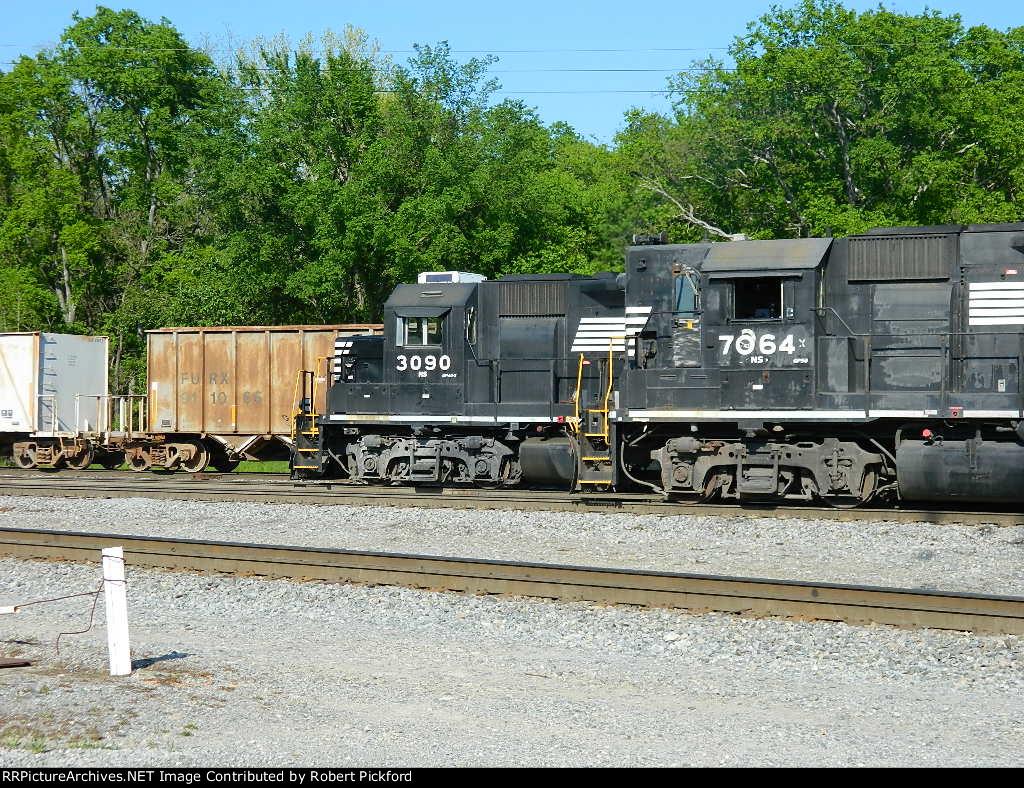 NS 3090(GP40-2)    7064(GP50)