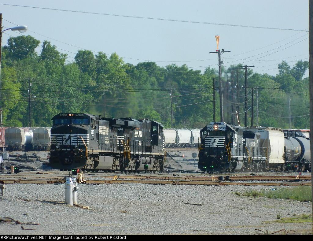 NS 9317(C40-9W) 7594(ES40DC) 3090(GP40-2) 923(RP-E4D)