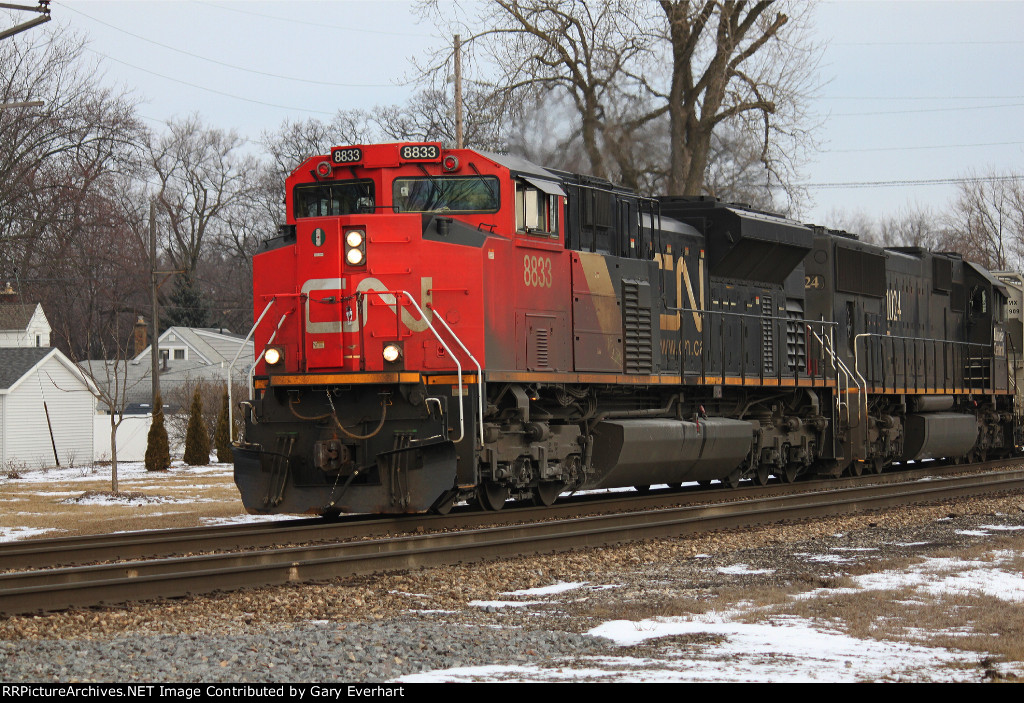 CN 8833 and IC 1024