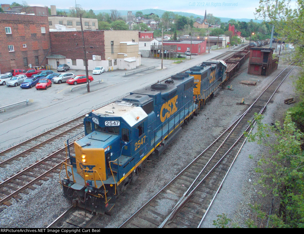 CSX 2547 and 2551