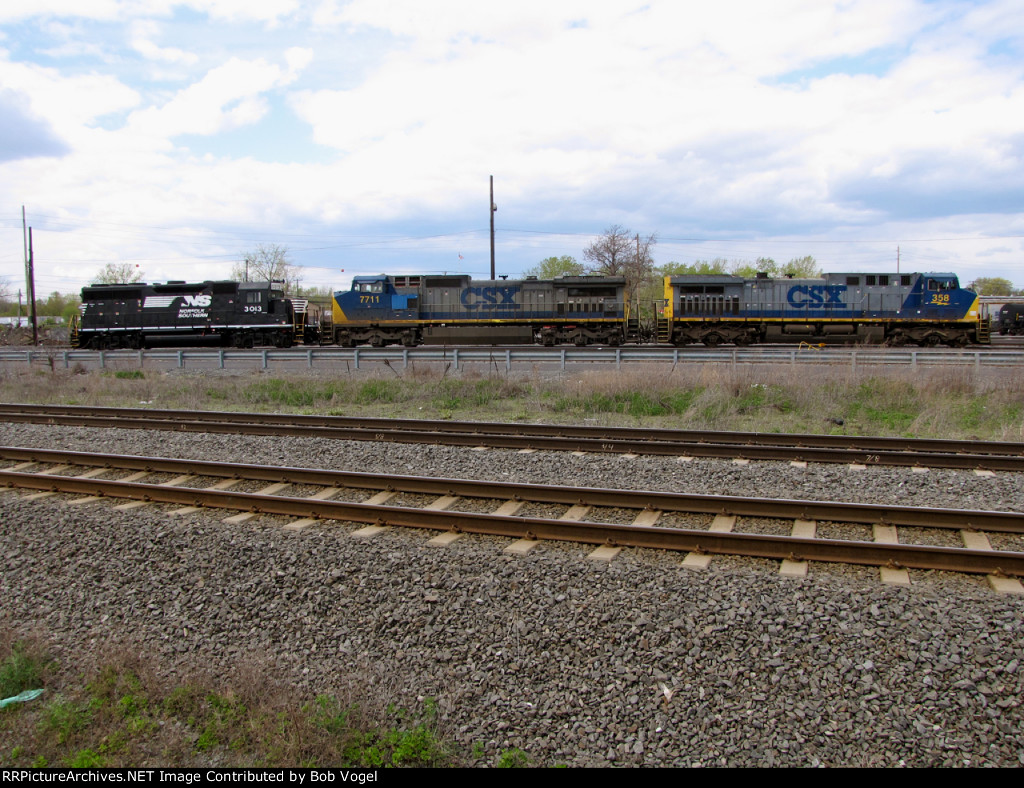 CSX 358 and 7711 with NS 3013