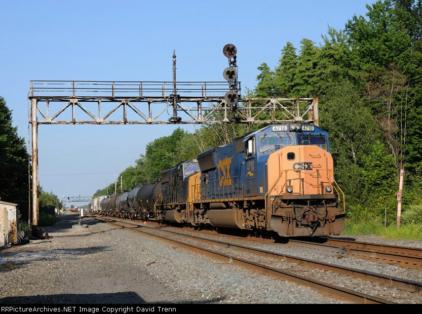CSX 4710 leads Westbound CSX Q351A at MP 130.1 on track number two