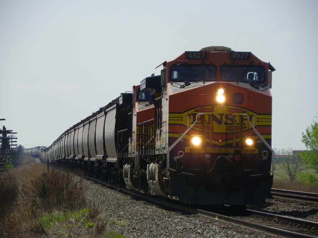 BNSF C44-9W 4927
