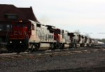 CN 2129 leads 4 other engines on M370