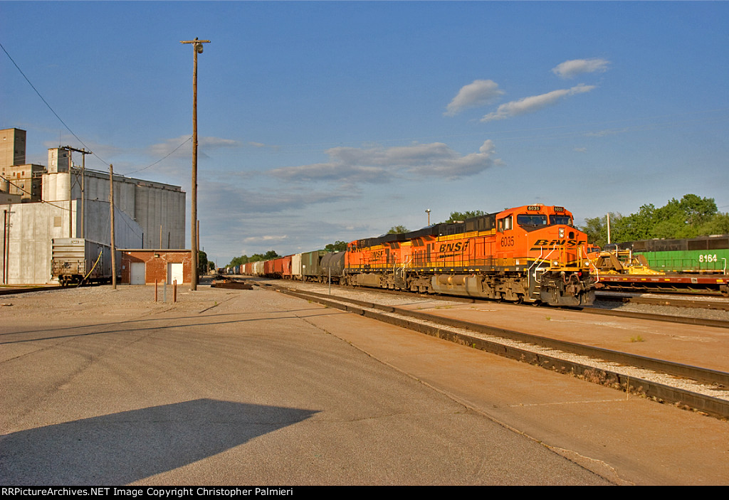 BNSF 6035 Leads H-KCKDEN1-13