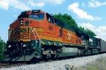 BNSF 886 on NS 282