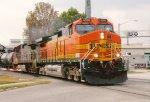 BNSF 4000 on NS 330