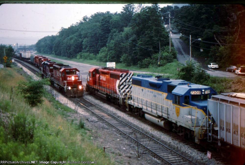 """Two CP/D&H Trains Meet At """"Bingo"""""""