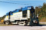D&H 5017 backing up to its train