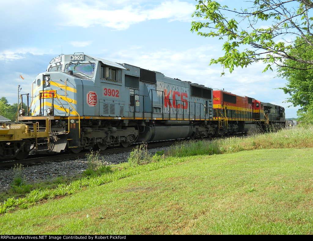 NS 7592(ES40DC)  KCS 3920(SD70MAC) 3902(SD70MAC)