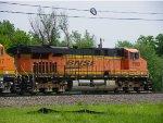 BNSF ES44DC 7569