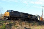 CSX ES44AH 976 in YN3b leads Q191-05