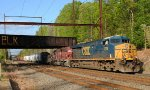 CSX ES40DC 5226 and JFDX SD40-2 8045 on Q439-27