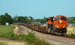 BNSF 7866 leads a empty bar table