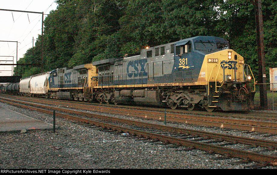 CSX AC4400CW #381 on Q417-16