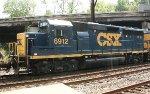 CSX GP40-2 #6912 on Q438-01