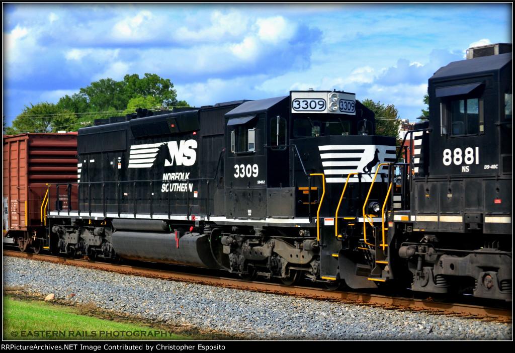 NS SD40-2 3309 on 337