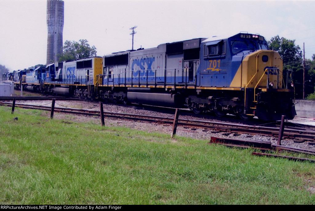 CSX 701 on CSX Q549