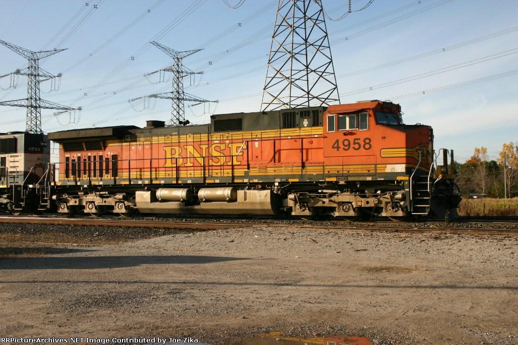 BNSF 4958  9-44CW