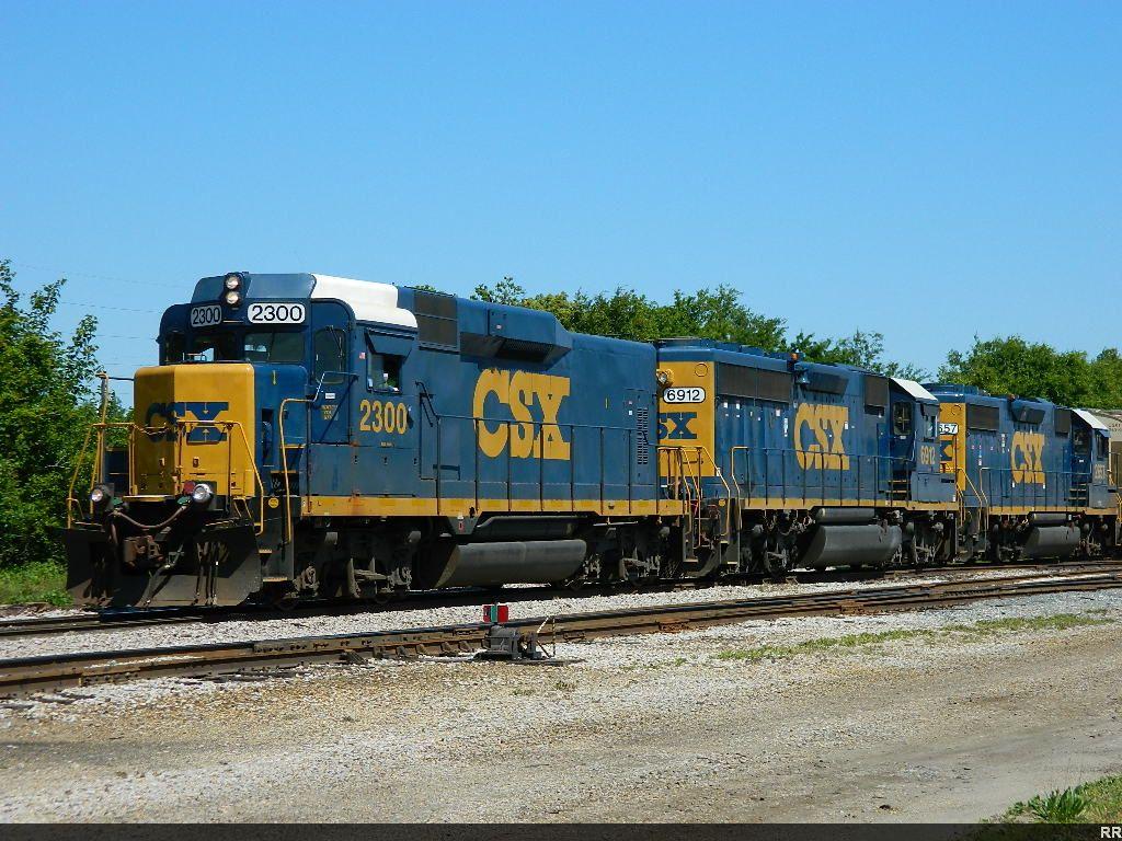 CSX 2300(ROADSLUG) 6912(GP40-2) 2657(GP38-2)
