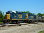 CSX 2300(ROADSLUG) 6912(GP40-2) 2657(GP38-2)