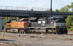 NS SD70ACe #1109 and BNSF AC4400CW #5626