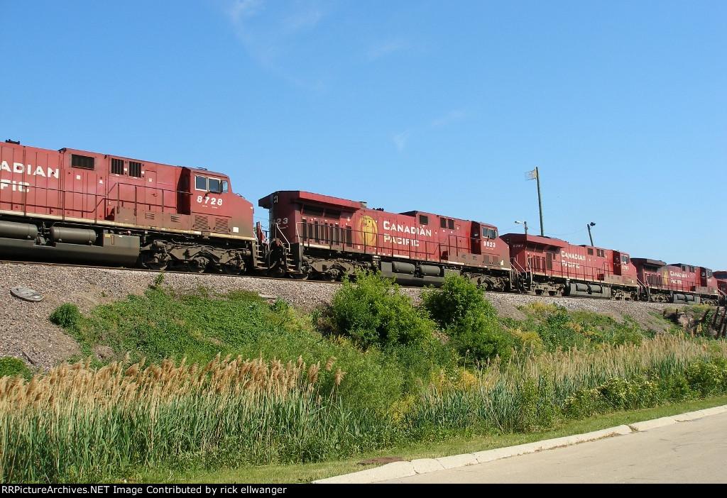 CP 7 locomotive consist