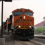 BNSF 7530 is up close and personal,