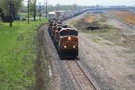BNSF 7817 leads a hot and long eb z train.
