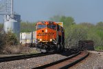 BNSF 6700 runs a eb z train past la plata mo.