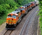 BNSF 4578 leads this eb Frschi z train.