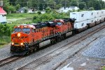BNSF 7829 runs into almost dark light at la plata mo.