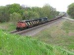 CN 2401 & CSX 5348 bring Q395 west