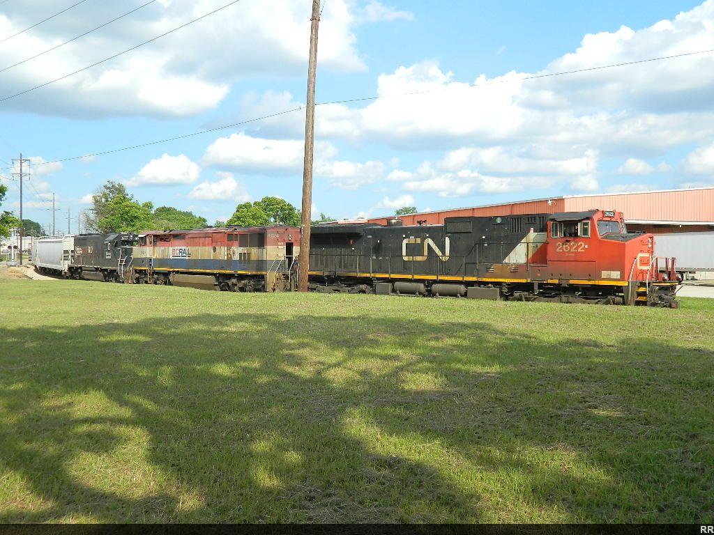 CN 2622(C44-9W) 4624(C40-8M) 3117(GP40R)