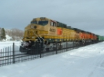 BNSF 4433 DASH 9 all faded on a winter day