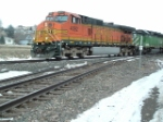 BNSF 4092 DASH 9 waiting for power